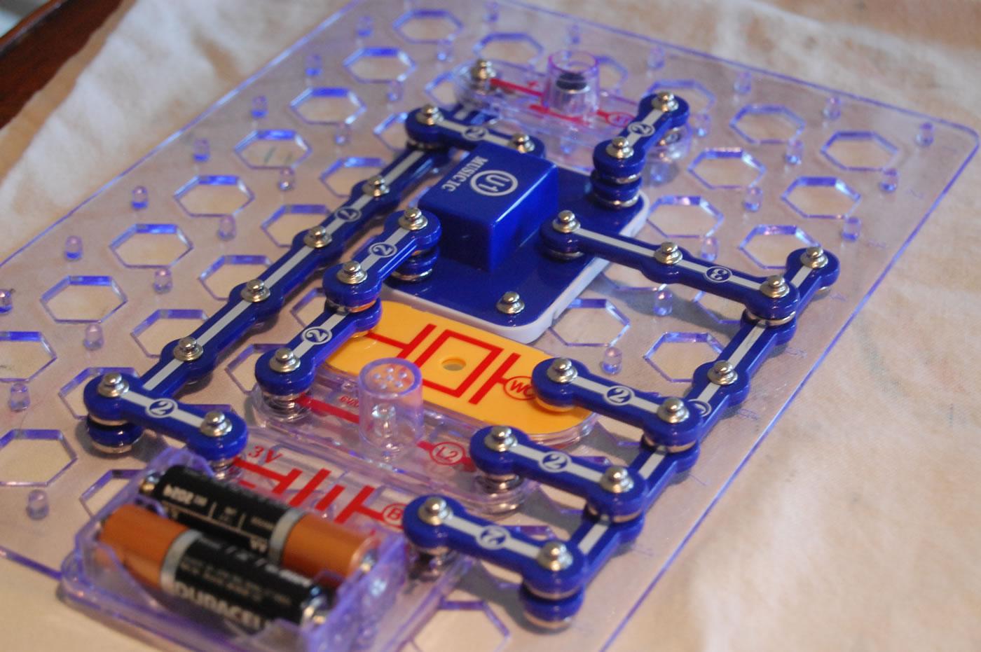 Cool Electronic Snap Circuit Kit Petkid One Kid S